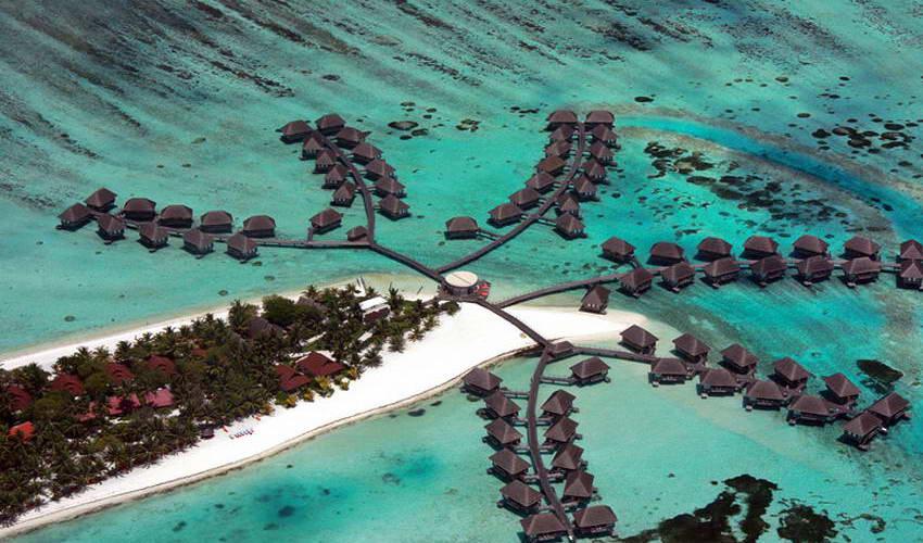 """""""קפיצה"""" לשכנים – האיים המלדיביים"""